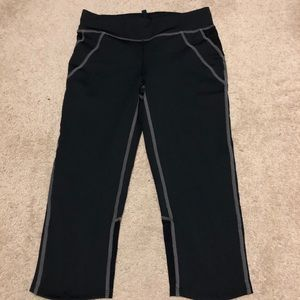Oiselle cropped leggings